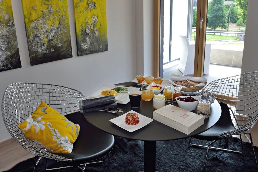breakfast superior suite