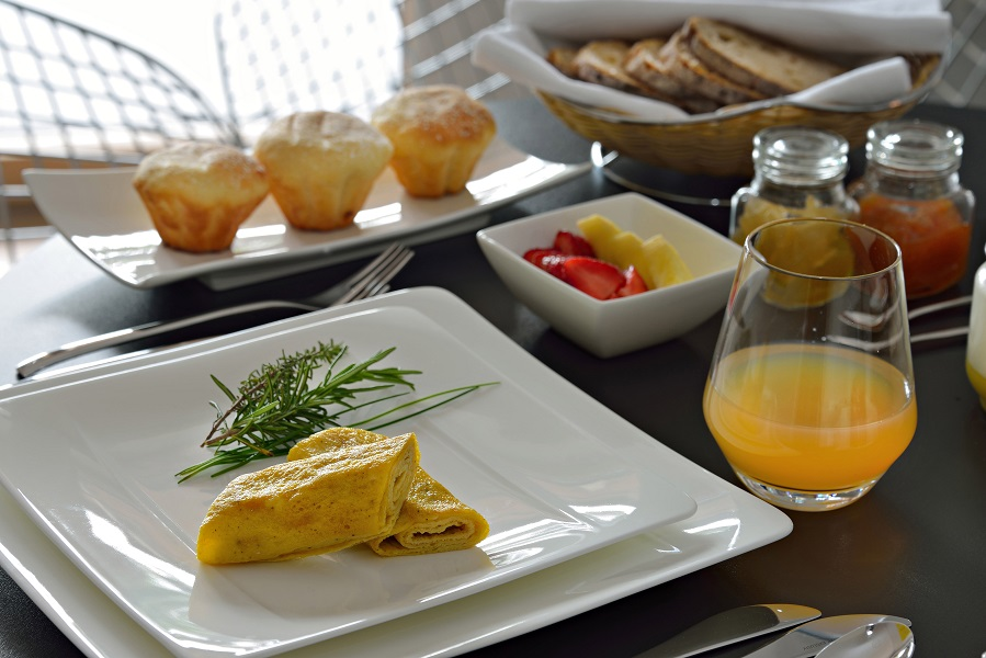 breakfast in suite Cottage 1956